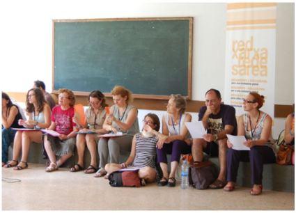 """Dinámica grupal_""""Reflexión compartida: ¿Qué me mueve?""""_VI SEMINARIO EDUCAR PARA UNA CIUDADANÍA GLOBAL - OXFAM INTERMON El papel del docente como agente de transformación social. Barcelona, del 3 al 5 de julio de 2015."""